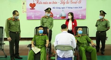 Hơn 500 CBCS Công an Bắc Giang tham gia hiến máu tình nguyện