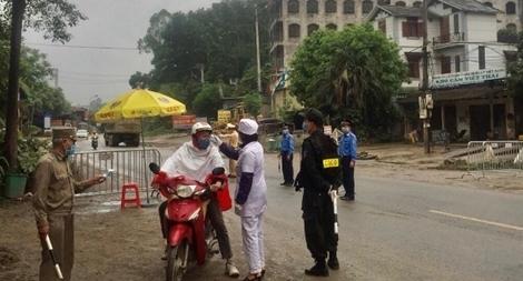 Vừa chống dịch, vừa đảm bảo an toàn ở cửa ngõ Thủ đô