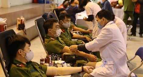 Gần 1.400 cán bộ chiến sĩ Công an tỉnh Lạng Sơn tham gia hiến máu