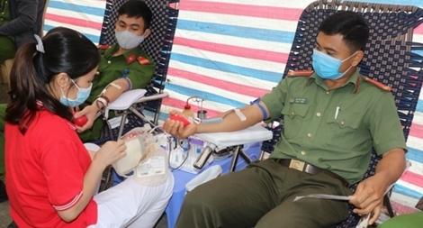 Trung úy Công an 30 lần hiến máu tình nguyện