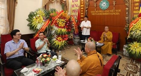 Lãnh đạo Bộ Công an chúc mừng dịp Đại lễ Phật đản 2564