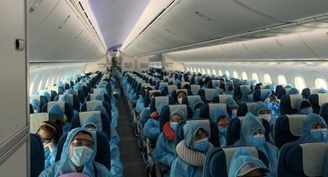 Đón hơn 340 công dân Việt Nam tại Đài Loan về nước