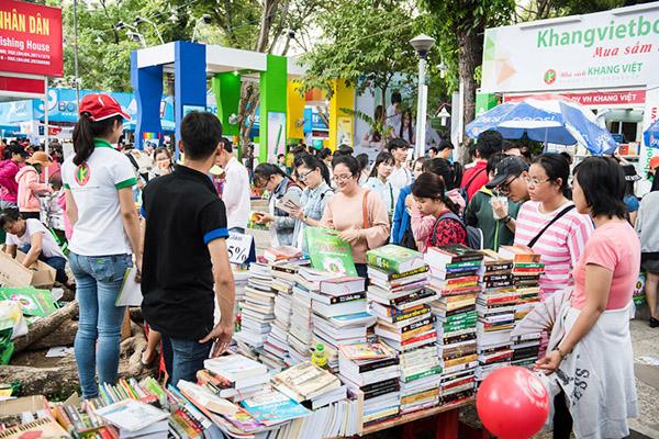 Khoảng trống giữa người trẻ với sách