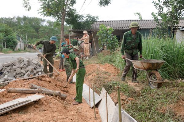 Gác ngày nghỉ giúp dân xây dựng nông thôn mới - Ảnh minh hoạ 2