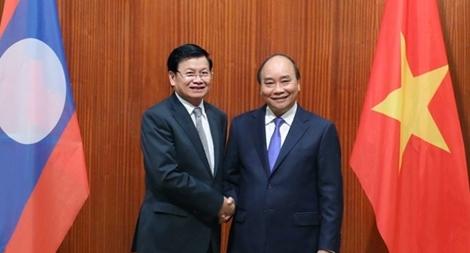 Thủ tướng Nguyễn Xuân Phúc hội đàm với Thủ tướng Lào Thongloun Sisoulith