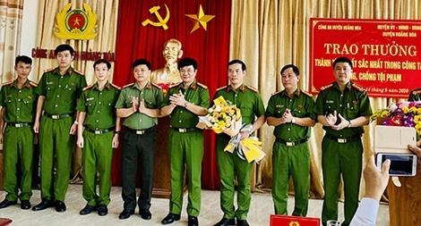 Thưởng 40 triệu đồng cho Công an huyện Hoằng Hoá