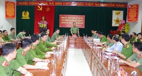 Thứ trưởng Lê Tấn Tới làm việc với Công an các huyện Đồng Văn, Mèo Vạc
