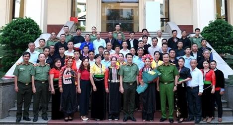 Bộ Công an gặp mặt Đoàn đại biểu người có uy tín tỉnh Lai Châu