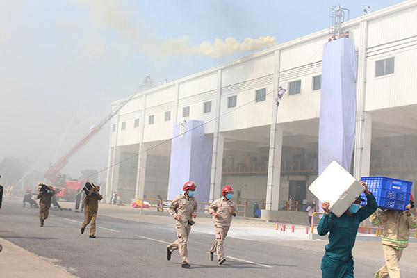 Diễn tập quy mô lớn chữa cháy và cứu nạn cứu hộ tại Công ty Honda Việt Nam - Ảnh minh hoạ 2