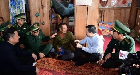 VietinBank hỗ trợ quân dân khu vực biên giới khắc phục thiệt hại do mưa lũ