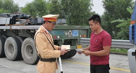 Trừ điểm giấy phép lái xe không phải hình thức xử phạt vi phạm hành chính