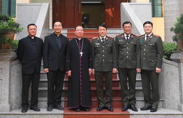 Đồng bào các tôn giáo gửi lời chúc mừng lực lượng CAND - Ảnh minh hoạ 4
