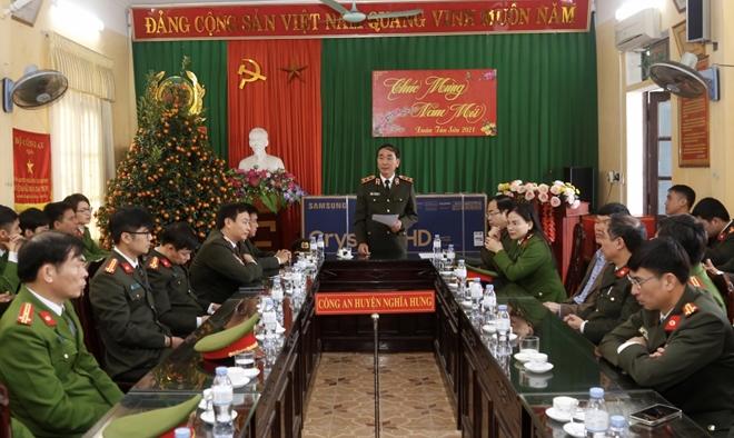 Thứ trưởng Trần Quốc Tỏ thăm, làm việc với Công an huyện Nghĩa Hưng