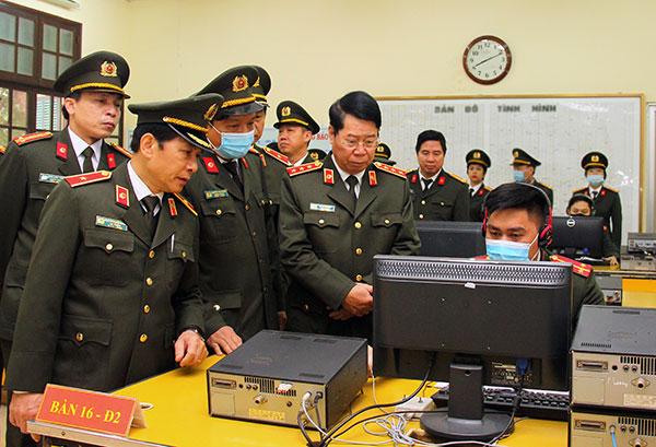 Chủ động nắm chắc tình hình, phục vụ đắc lực nhiệm vụ xây dựng và bảo vệ Tổ quốc - Ảnh minh hoạ 2