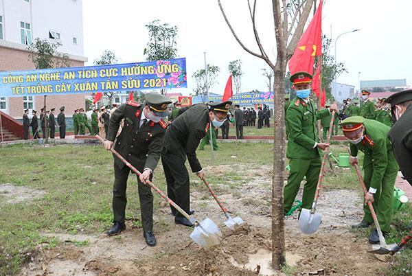 Công an tỉnh Nghệ An phát động Tết trồng cây - Ảnh minh hoạ 2