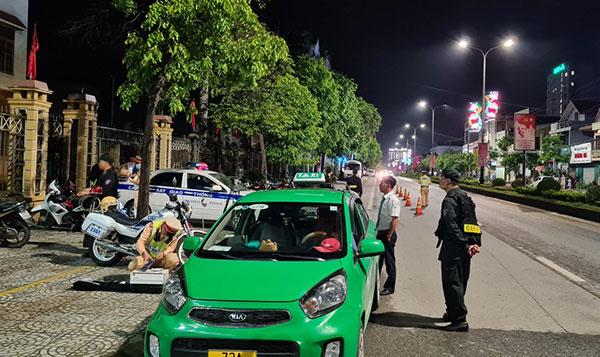 Công an Quảng Bình tăng cường bảo vệ bầu cử đại biểu Quốc hội và HĐND các cấp - Ảnh minh hoạ 4