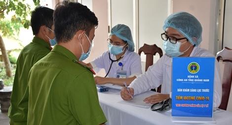 Công an tỉnh Quảng Nam triển khai tiêm vaccine ngừa COVID-19