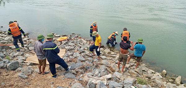 Tìm thấy thi thể nam thanh niên đuối nước tại Cẩm Thuỷ