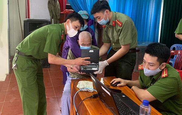 Quyết tâm lớn và sáng tạo thực hiện dự án cấp căn cước công dân tại Sơn La