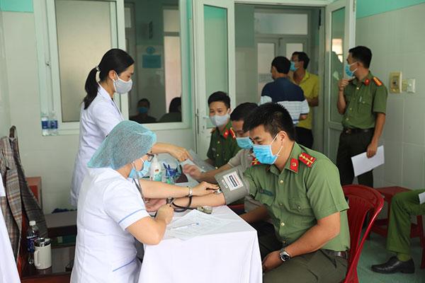 Công an tỉnh Đắk Nông triển khai tiêm vaccine ngừa COVID-19 đợt 2 cho CBCS