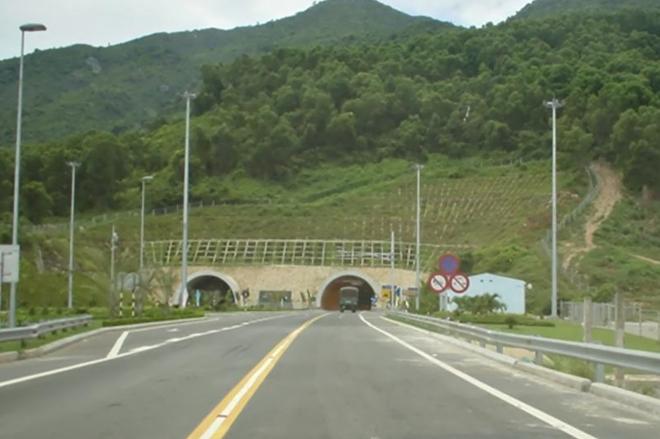 Sự cố vết nứt phía Nam hầm đường bộ Hải Vân: Ban quản lý nói gì?