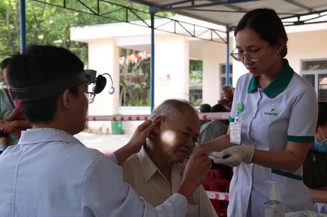 Trao tặng 1000 thiết bị trợ thính cho bệnh nhân khiếm thính tại Quảng Ngãi - Ảnh minh hoạ 3