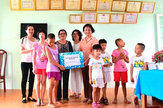 Gần 10,9 tỷ đồng giúp trẻ em nghèo và học sinh nghèo vượt khó ở Đà Nẵng - Ảnh minh hoạ 2