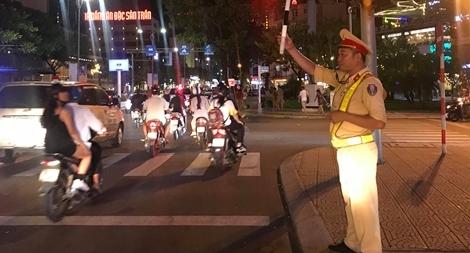 Hình ảnh đẹp của Công an Đà Nẵng trong Lễ hội pháo hoa quốc tế  DIFF 2019