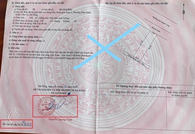 Sổ đỏ giả được đối tượng sử dụng để cấn nợ bị phòng công chứng Phước Nhân phát hiện.