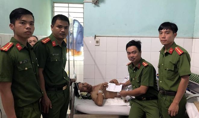Cảnh Sát PCCC Đà Nẵng hỗ trợ người công nhân bị tai nạn lao động - Ảnh minh hoạ 3