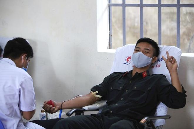 Tiểu Đoàn CSĐN số 3 hiến máu tình nguyện - Ảnh minh hoạ 7