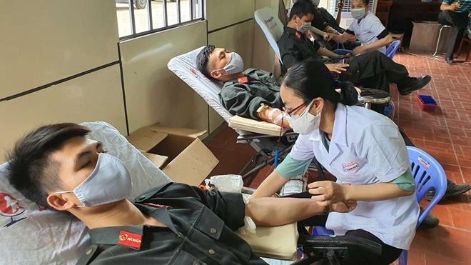 Tiểu Đoàn CSĐN số 3 hiến máu tình nguyện - Ảnh minh hoạ 4