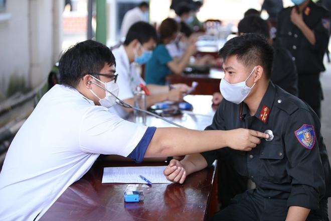 Tiểu Đoàn CSĐN số 3 hiến máu tình nguyện - Ảnh minh hoạ 2