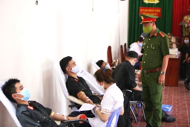 Tiểu Đoàn CSĐN số 3 hiến máu tình nguyện - Ảnh minh hoạ 3