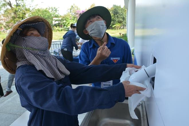 Đà Nẵng lắp đặt cây ATM gạo nghĩa tình cho người dân - Ảnh minh hoạ 8