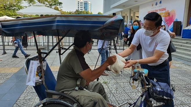 Đà Nẵng lắp đặt cây ATM gạo nghĩa tình cho người dân - Ảnh minh hoạ 11