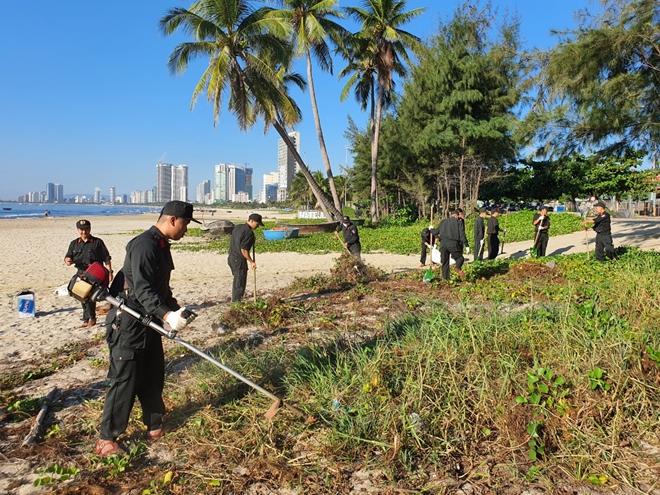 Cảnh sát cơ động Đà Nẵng giúp dân bảo vệ môi trường biển - Ảnh minh hoạ 8