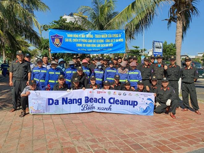 Cảnh sát cơ động Đà Nẵng giúp dân bảo vệ môi trường biển - Ảnh minh hoạ 4