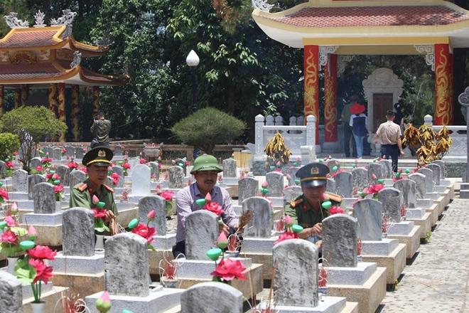 Thăm hỏi, tặng quà các gia đình thương binh, liệt sĩ tại Quảng Trị - Ảnh minh hoạ 5