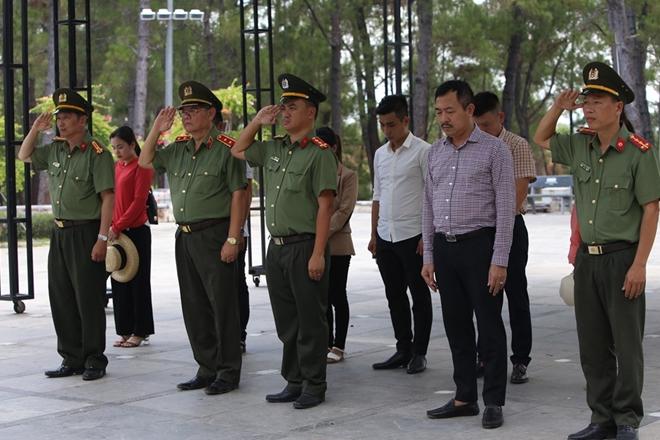 Thăm hỏi, tặng quà các gia đình thương binh, liệt sĩ tại Quảng Trị - Ảnh minh hoạ 2
