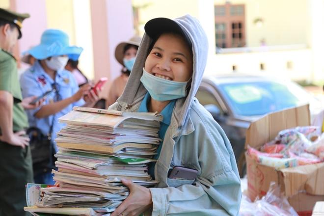 Công an Đà Nẵng đem Trung Thu đến với trẻ em nghèo vùng núi - Ảnh minh hoạ 2