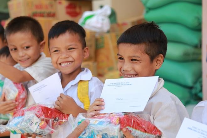 Công an Đà Nẵng đem Trung Thu đến với trẻ em nghèo vùng núi - Ảnh minh hoạ 17