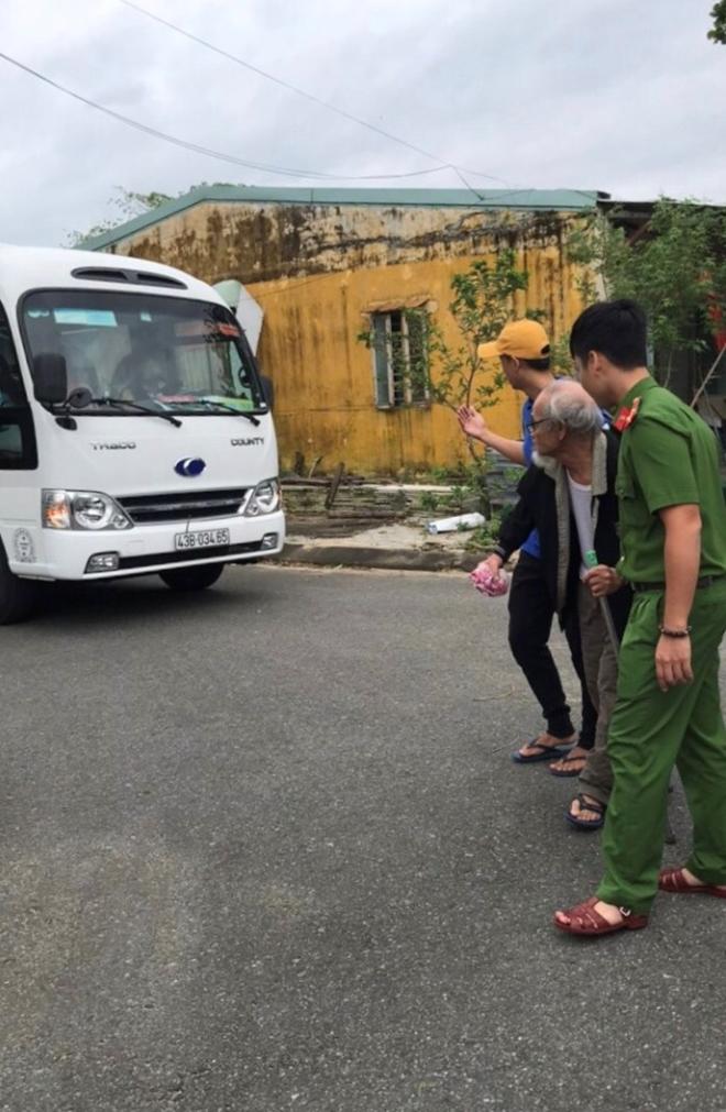 Công an Đà Nẵng giúp dân ven biển, vùng trũng thấp sơ tán đến nơi trú bão an toàn - Ảnh minh hoạ 2
