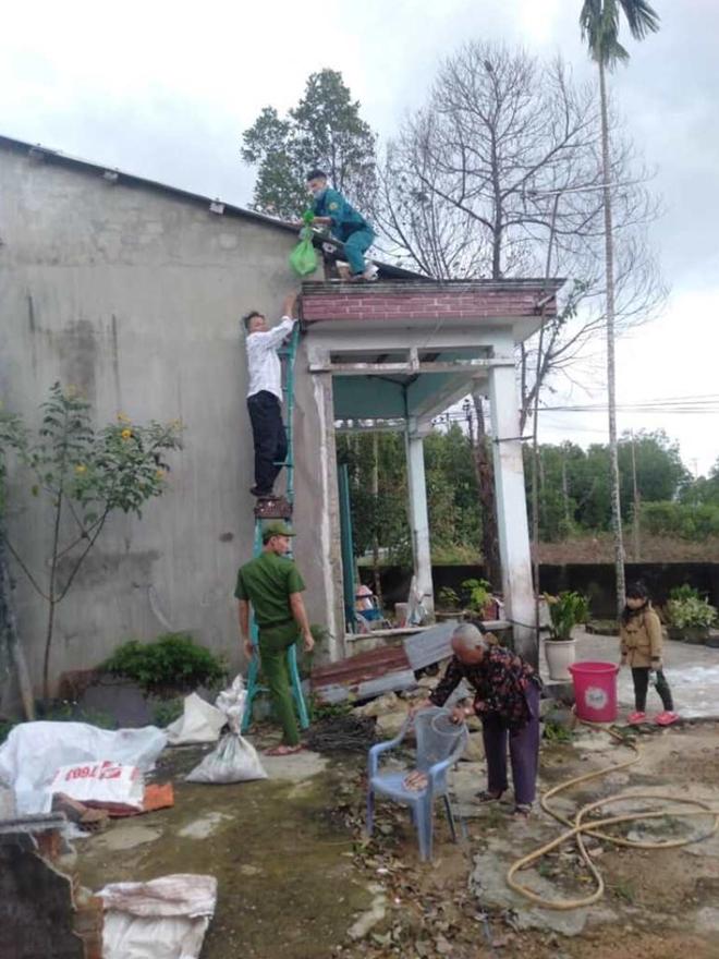 Công an Đà Nẵng giúp dân ven biển, vùng trũng thấp sơ tán đến nơi trú bão an toàn - Ảnh minh hoạ 15