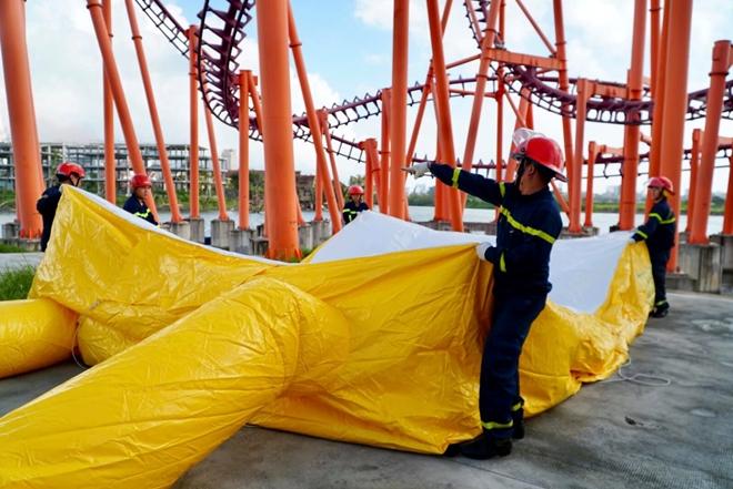 Diễn tập cứu nạn ở điểm vui chơi cao 40m - Ảnh minh hoạ 9