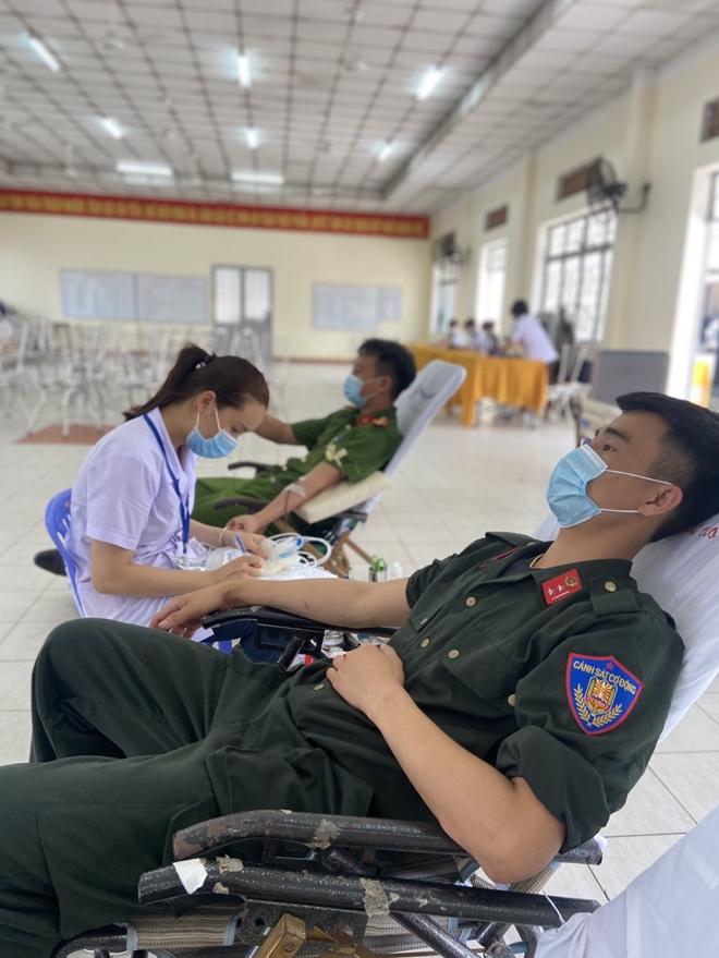 Tiểu đoàn Cảnh sát đặc nhiệm số 3 hiến máu tình nguyện - Ảnh minh hoạ 2