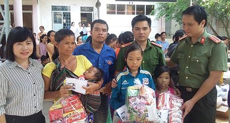 Tuổi trẻ Công an tỉnh Phú Yên tổ chức nhiều hoạt động hướng về cơ sở