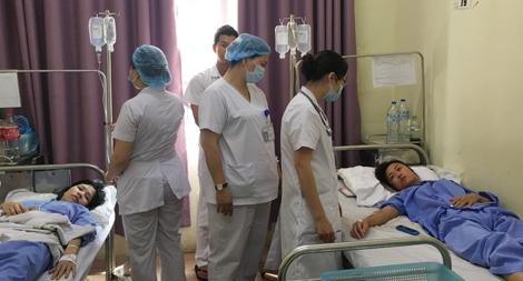 """Bác sỹ Công an """"chiến đấu"""" với dịch sốt xuất huyết"""