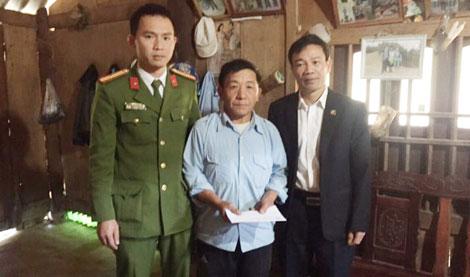 Thăm hỏi, giúp đỡ các gia đình thiệt hại về người ở huyện Vân Hồ (Sơn La)