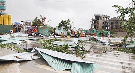 Lực lượng Công an khắc phục hậu quả bão số 12